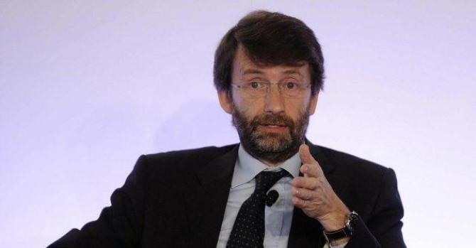 Smentito Franceschini, la tassa Siae fa aumentare i prodotti Apple