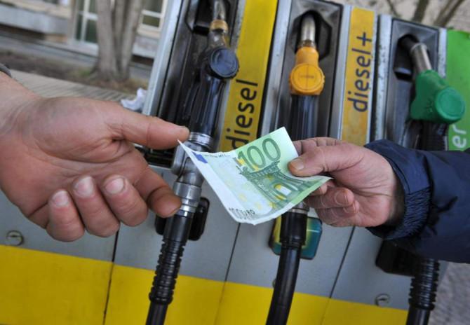 Carburanti: diesel italiano il più caro in Europa, benzina al quarto posto